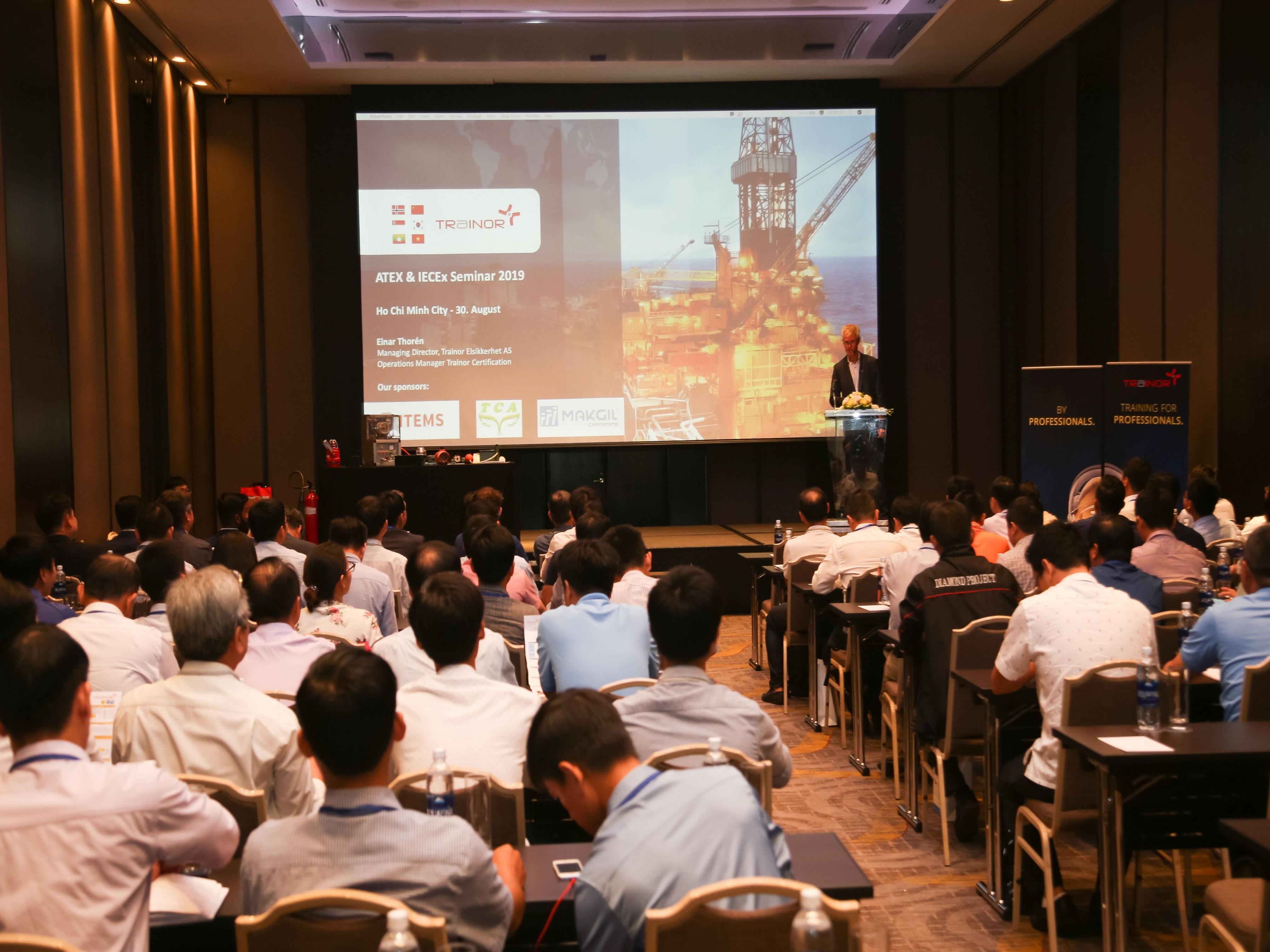 Đại diện công ty Đông Dương tham dự hội thảo ATEX & IECEX 2019 về môi trường làm việc có nguy cơ cháy nổ (Ex)