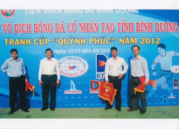 """Công ty Đông Dương tài trợ và tổ chức giải bóng đá Mini cúp """"QUỲNH PHÚC"""" tại Bình Dương Năm 2012"""