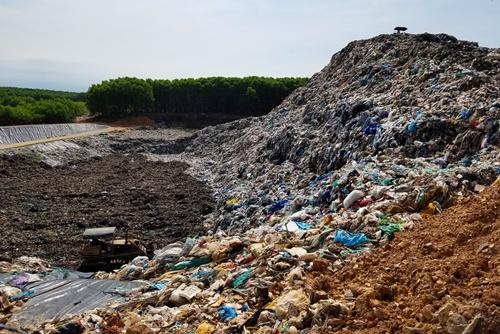 Nhiều đô thị Việt Nam khủng hoảng chôn lấp rác