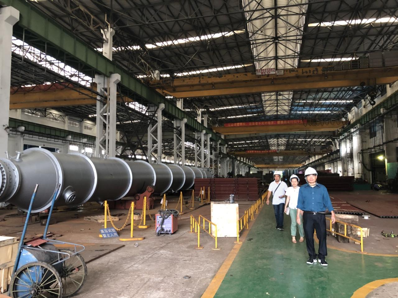 Lãnh đạo công ty Đông Dương tham quan làm việc với lãnh đạo công ty Minh Thành Hà Khẩu tại Trung Quốc