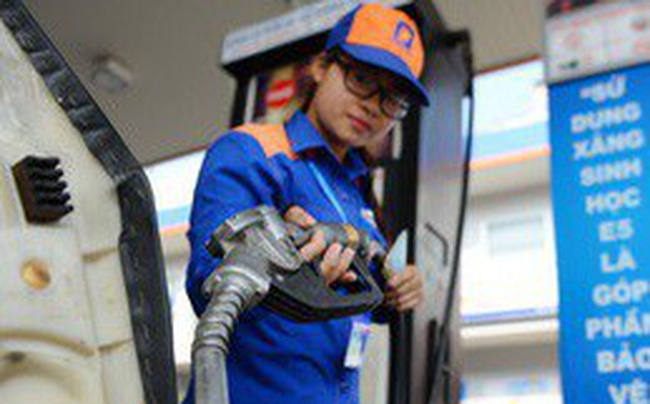Chi quỹ bình ổn giá xăng gần 1.300 đồng/lít, giữ nguyên giá xăng dầu