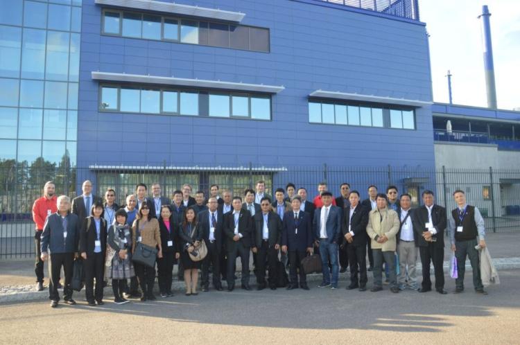 """Ban lãnh đạo công ty tham dự chương trình """"Trao đổi kinh nghiệm về hợp tác công tư trong lĩnh vự quản lý rác thải và biến rác thành năng lượng"""" giữa Phần Lan và các nước thuộc lưu vực sông Mekong."""