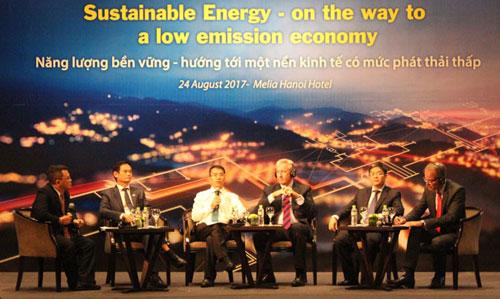 Hợp tác để phát triển năng lượng bền vững